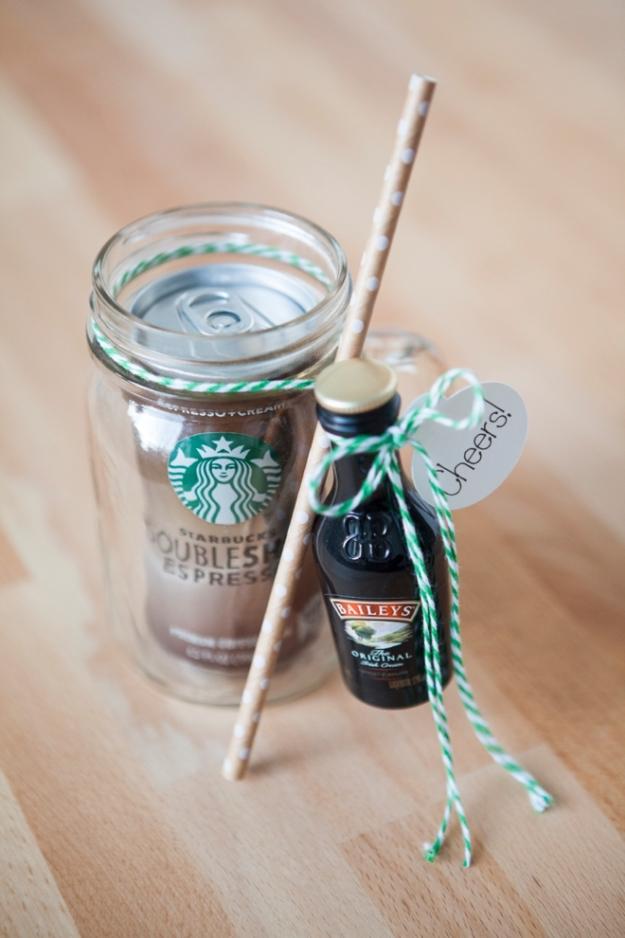 SomethingTurquoise-DIY-Mason-Jar-Cocktail-Gift-0010