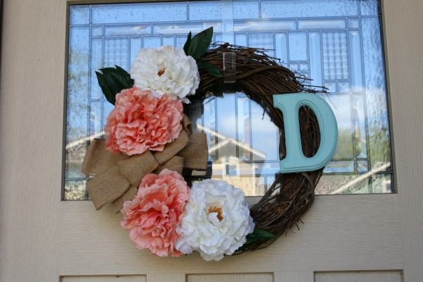 Spring-wreath-DIY-door
