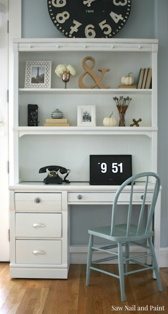 white-desk-and-hutch